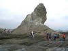 えぼし岩を人間の大きさを比較して下さい
